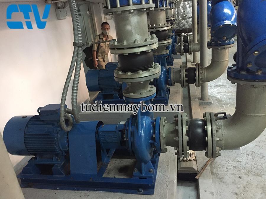 Lắp đặt hệ thống máy bơm cấp nước sinh hoạt cho các nhà cao tầng, khu chung cư
