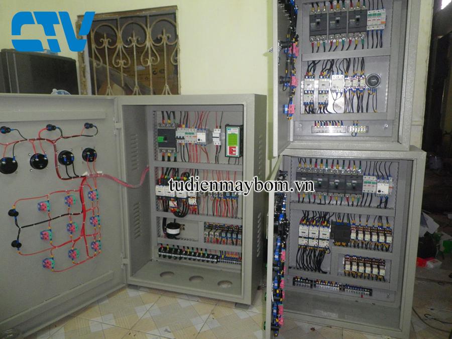Tủ điện điều khiển máy bơm nước xử lý thải